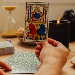 ¿Cómo aplicar el Tarot en tu vida diaria?